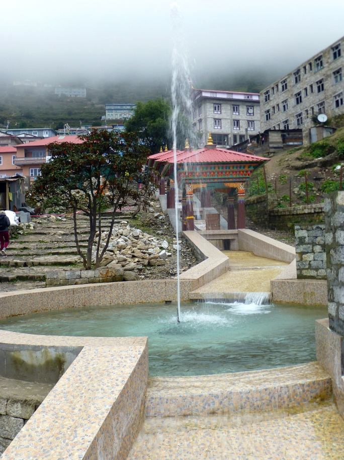 namche_entrance_fountain2